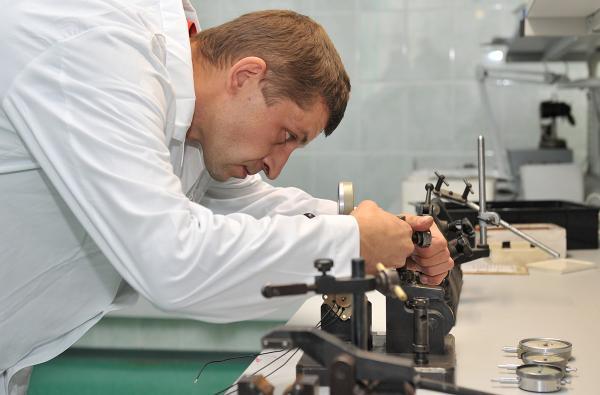 для обязанности слесаря монтажника в нефтехимии рекомендуют